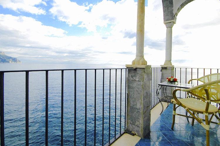Suite Regina - Villa Scarpariello - Costa Amalfitana