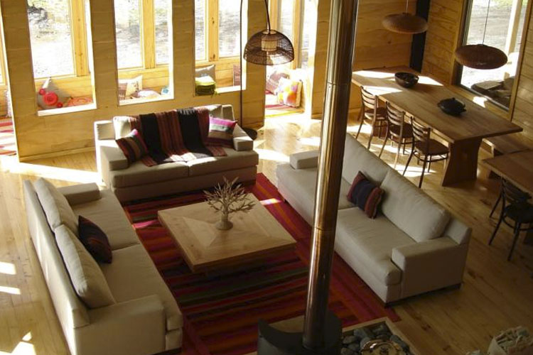 Lounge - Robinson Crusoe. Deep Patagonia - Villa O'Higgins