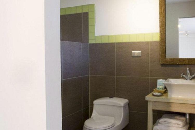 Bathroom - La Perouse Rapa Nui - Easter Island